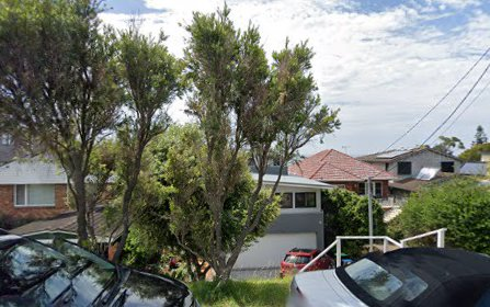 8 Seaview Avenue, Curl Curl NSW