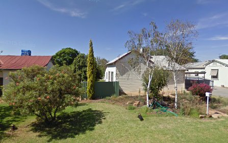 42 Waratah St, Leeton NSW 2705