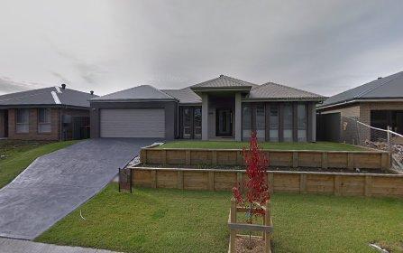 33 Bowerbird St, South Nowra NSW 2541