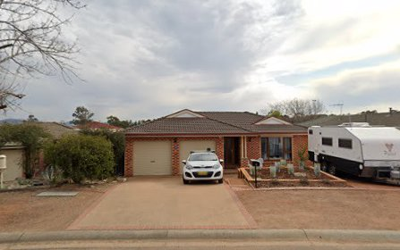 9 Pooley St, Queanbeyan West ACT