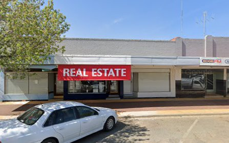 182 Murray Street, Finley NSW