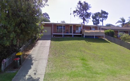 131 Country Club Dr, Catalina NSW 2536