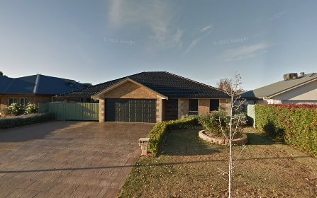8 Peel Place, Dubbo NSW