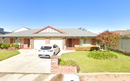 1/2 Old Barracks La, Young NSW 2594
